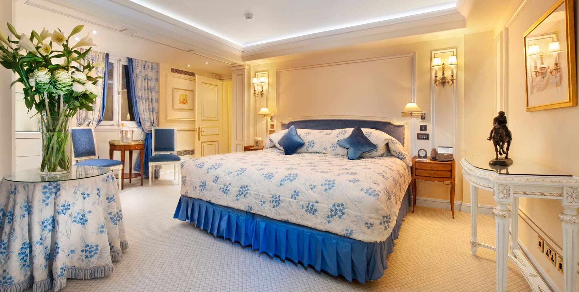 luxurious signature suites piccadilly the ritz london the two bedroom piccadilly suite