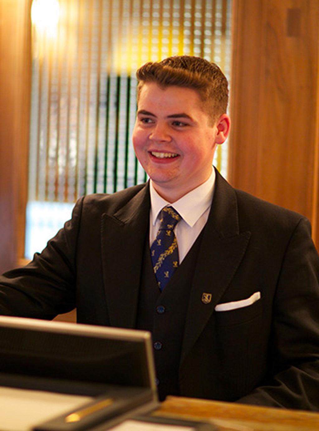 Hotel Front Office Management - AbeBooks - James A. Bardi